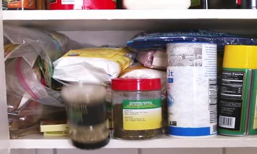 Скрит кухненски килер
