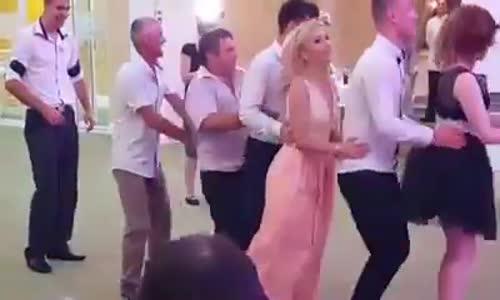 В ритъма на танца!