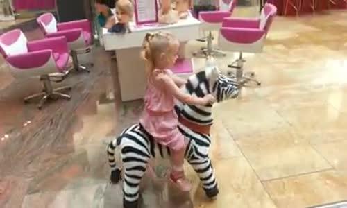 Играчки за яздене!