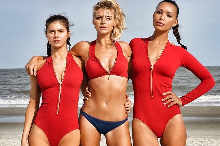 Спасители на плажа (2017) трейлър