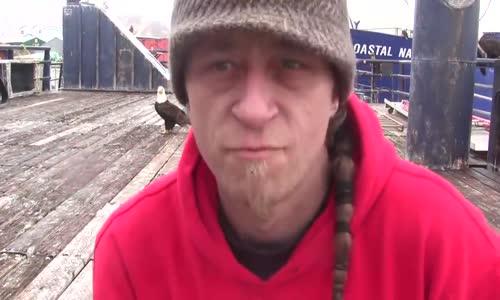В Дъч Харбър Аляска - хранят орли!