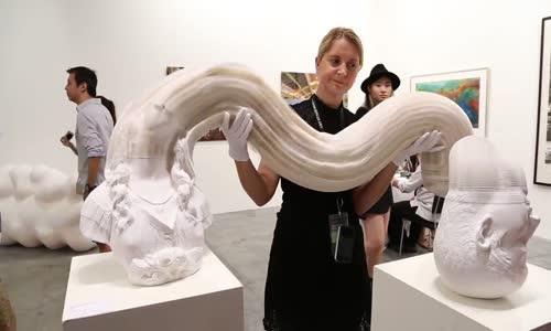 Скулптури на китайски дизайнер