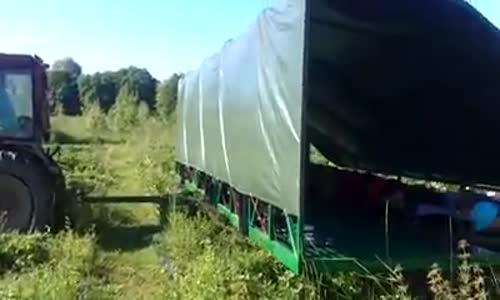Машинно бране на ягоди!