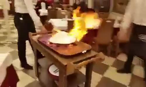 Оригиналния метод за готвене и поднасяне на месни ястия